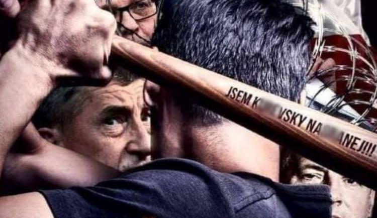 V Praze se uskuteční demonstrace proti vládním opatřením. Dorazí fotbaloví chuligáni