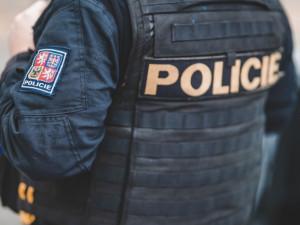 Po pádu z okna v pražských Stodůlkách dnes ráno zemřela státní zástupkyně pro Prahu 5