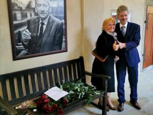 FOTO: Zesnulý Jaroslav Kubera má svou lavičku. Má symbolizovat boj za svobodu a nezávislost