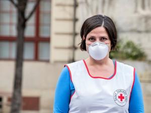 Nemocnice v Praze mají dost ochranných pomůcek. Více se používají respirátory