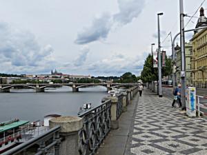 Tramvajová trať na pražském Rašínově nábřeží se dočká rekonstrukce