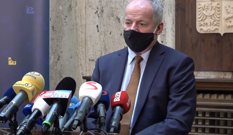 """""""Nic jsem neporušil."""" Ministr zdravotnictví Roman Prymula rezignovat nehodlá"""