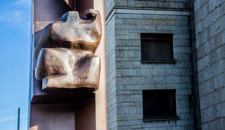 Plastika s názvem Plamen na počest Jana Palacha byla odhalena u Národního muzea