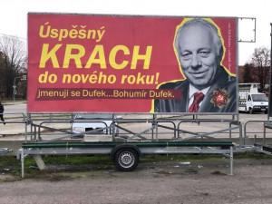 Odborář Dufek jako komunistický pohlavár. Flusnul nám do ksichtu, říká autor billboardů