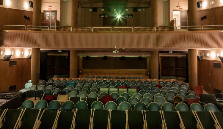 Filmový průmysl chce přeřadit kina do třetího stupně systému PES a otevřít tak kina dřív než divadla