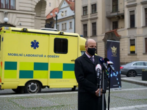 Mobilní laboratoř v Praze přijede za testovanými domů i do firmy. Město přišlo s novým způsobem testování na koronavirus