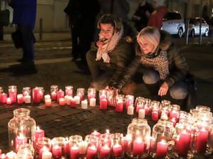 Šabachův park bude od pátku zdobit obrovské srdce ze svíček. Praha 6 si připomene odkaz Václava Havla