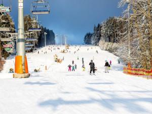 Skiareál Lipno zahajuje zimní sezonu v pátek