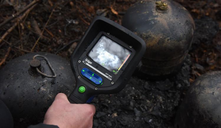FOTO: Hasiči objevili při požáru v Praze ohořelé torzo lidského těla