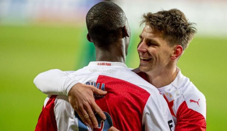 Vršovické derby vyhrála Slavia. U obou gólů byl devatenáctiletý Sima