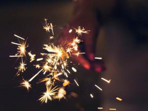 Česko čekají netradiční oslavy příchodu nového roku. Večerka v devět i zákaz shromažďování