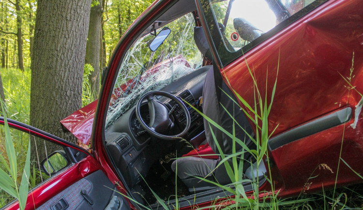 Na českých silnicích loni zemřelo 460 lidí. Je to nejméně od roku 1961