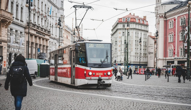 Pod koly tramvaje nezemřel loni v Praze žádný člověk. Nehodovost klesla skoro o polovinu