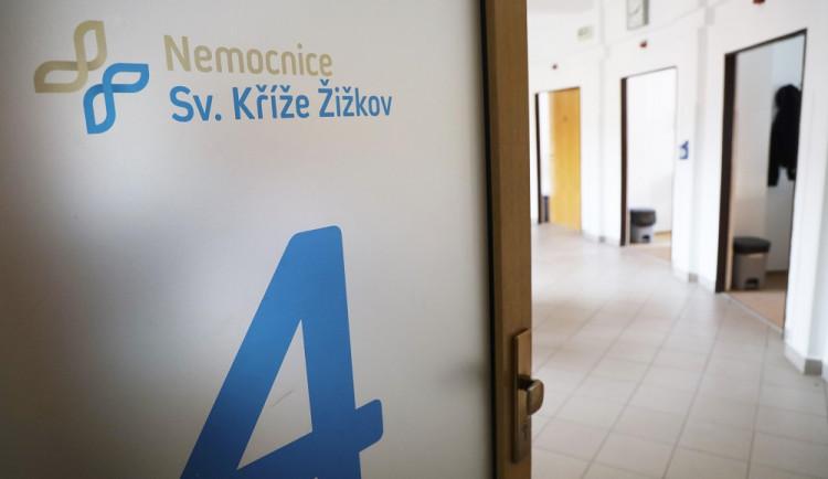 FOTO: Nemocnice Sv. Kříže v Praze 3 může okamžitě začít očkovat proti koronaviru. Nyní žádá o schválení i vakcíny