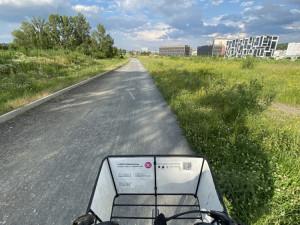 Cyklostezka na Rohanském ostrově získá nový asfaltový povrch