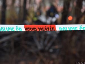 Po požáru garáže v Praze 4 hasiči nalezli lidské tělo