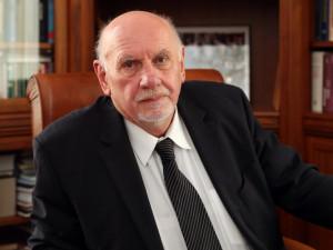 Prezident Zeman neudělí Rychetskému Řád TGM. Zrušením volebního zákona prý poškodil Českou republiku