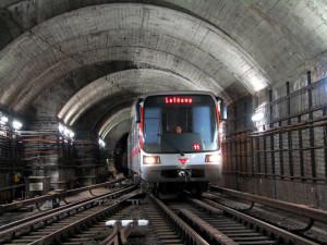 Dopravní podnik chystá do léta kvůli opravám a výměnám pražců čtyři výluky provozu metra