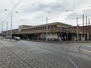 S rekonstrukcí haly Smíchovského nádraží se začne zřejmě v roce 2023