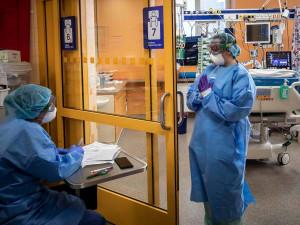 V pražských nemocnicích je obsazena většina lůžek na ARO a JIP