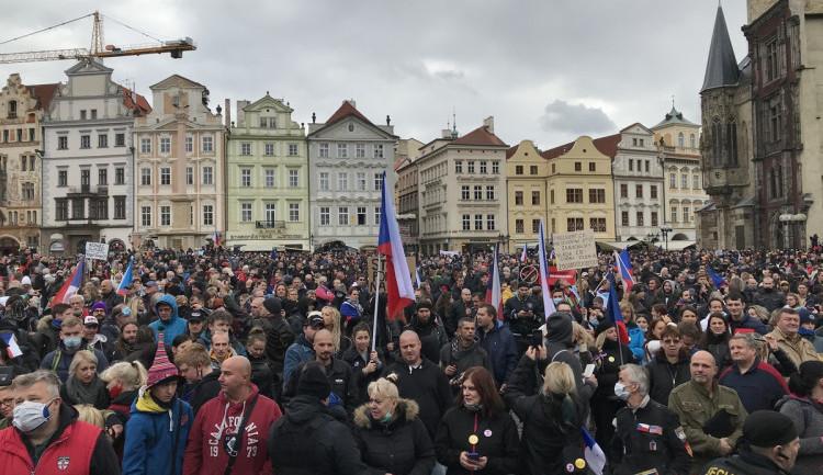 Na nedělní demonstrace v Praze budou dohlížet stovky policistů