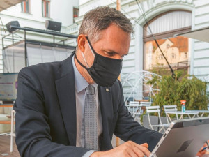Došlo k masivnímu kybernetickému útoku na systémy veřejné správy, informoval Hřib. Cílem bylo i ministerstvo