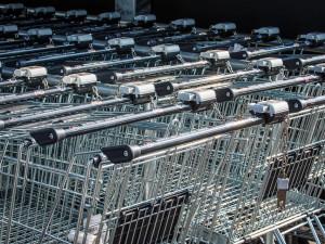 Na Velký pátek budou muset mít zavřeno i potraviny