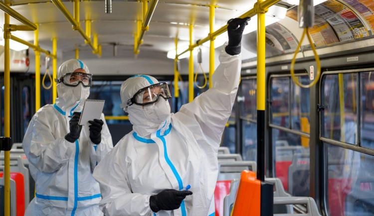 Pražský dopravní podnik bude v MHD zjišťovat přítomnost nového koronaviru