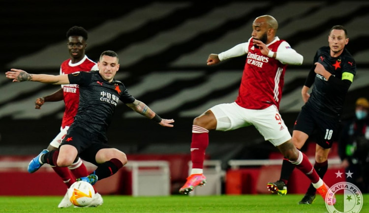 Slavia remizovala s Arsenalem 1:1. Pražané vyrovnali v 94. minutě