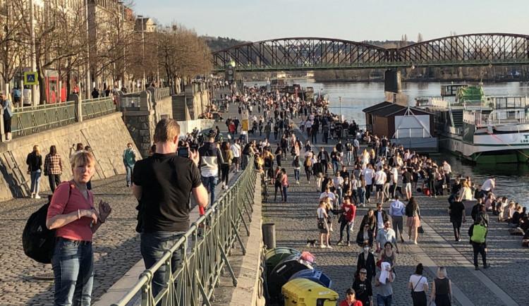 Na Vltavě u železničního mostu by mohl vzniknout heliport pro záchranářský vrtulník