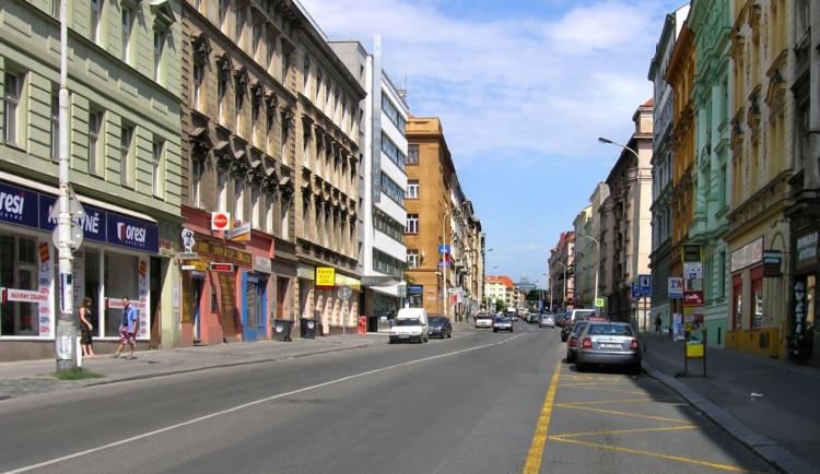 Opravy Koněvovy ulice jdou do další etapy. Bude uzavřená obousměrně