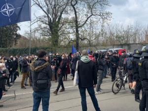Stovky lidí v Praze demonstrovaly za propuštění ruského opozičního politika Navalného