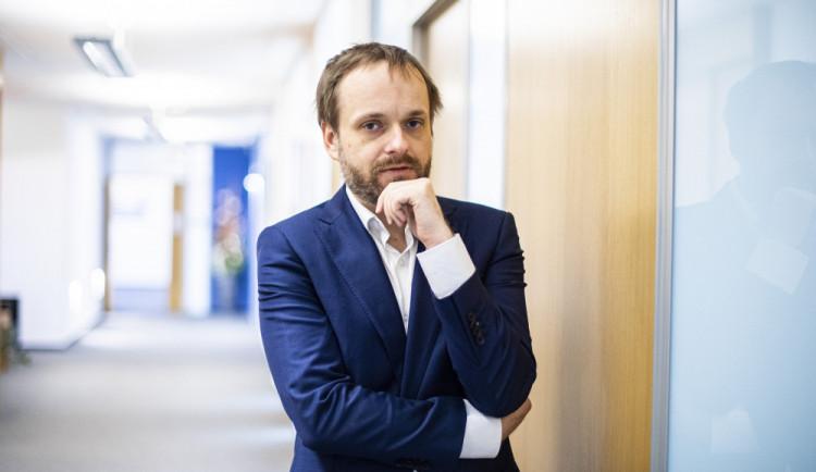 Česko je sebevědomá země, řekl Kulhánek po zastropování počtu diplomatů na ambasádě v Praze