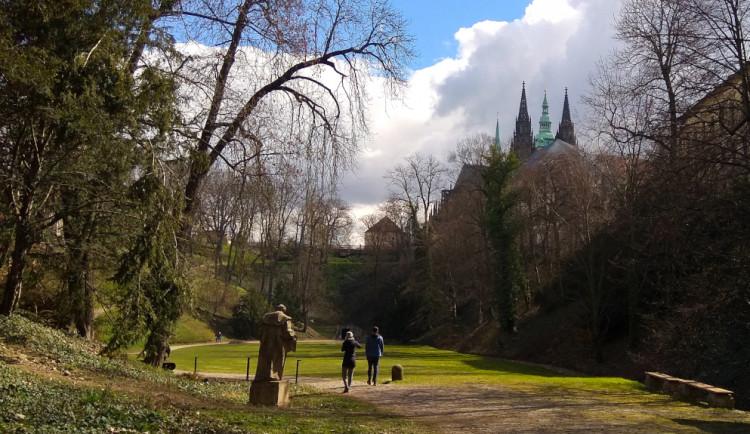 Kam o víkendu? Vyrazte si na královskou procházku do zahrad Pražského hradu