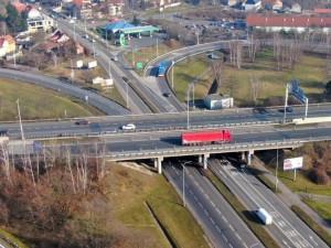 Řidiči pozor. Demolice mostu v Praze o víkendu přeruší dopravu