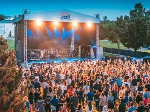 Letní scéna Lucerna Music Baru se stěhuje do nového areálu v Braníku