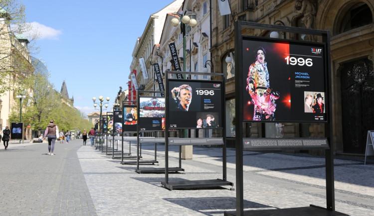 Jackson, Bowie nebo Stouni. V Praze probíhá výstava fotek z těch nejlepších akcí v Česku