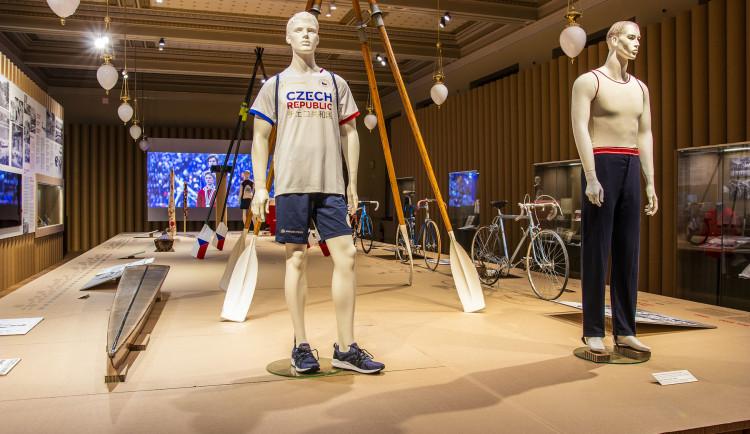 Nová výstava v Národním muzeu ukazuje olympijské Tokio včetně úspěchů Čáslavské