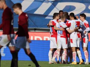 Slavia porazila Spartu jasně 3:0. Ve finále poháru sešívané čeká Plzeň