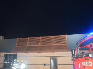 Požár restaurace McDonald's u Prahy způsobil škodu za deset milionů korun