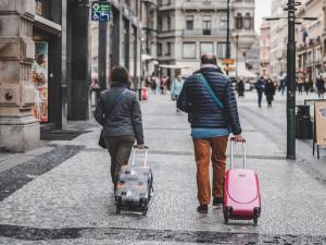 Praha zažívá téměř úplný propad turismu. Letos přijelo o 93 procent méně turistů než loni
