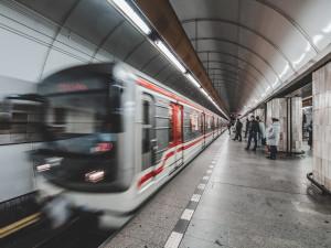 Ode dneška je prodloužen denní provoz pražského metra