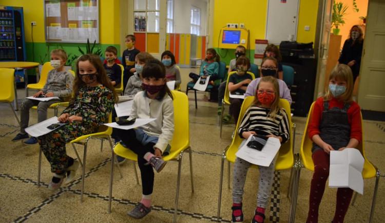Školáci z Prahy 7 budou testováni výhradně PCR testy