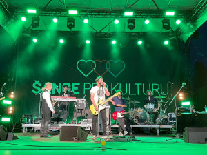 Na pražském Výstavišti včera proběhl koncert pro 2000 diváků. Zahráli Chinaski i Pavel Šporcl