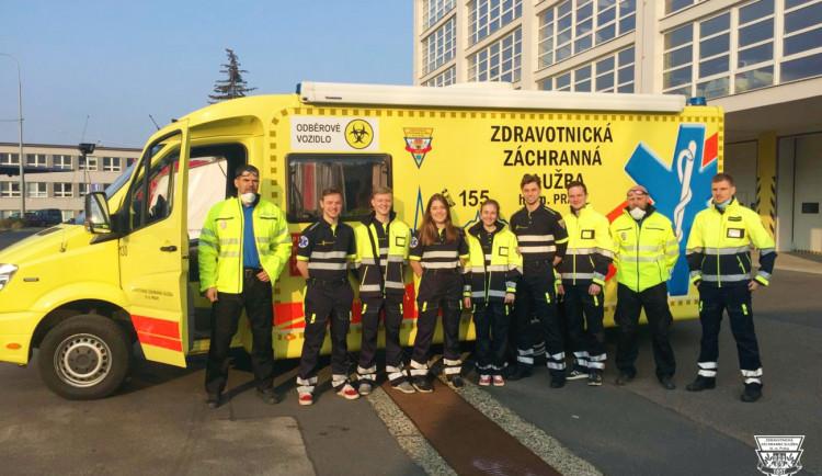 Dnes je Den linky 155. V Česku každou půl minutu vyjede posádka záchranářů