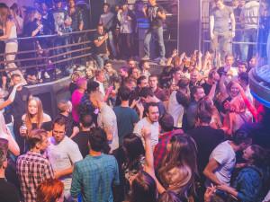 V pondělí v Praze otevřou jen některé taneční kluby