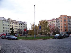 Basilejské náměstí na Žižkově čeká proměna. Vznikne zde křižovatka se semafory i veřejné prostranství