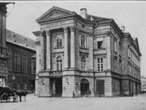 Stavovské divadlo na Ovocném trhu se začalo stavět před 240 lety. Vyrostlo díky nadšení hraběte Nostice