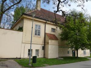 Budova na Kampě známá z oblíbeného českého filmu bude sloužit skautům. Otevře se v létě