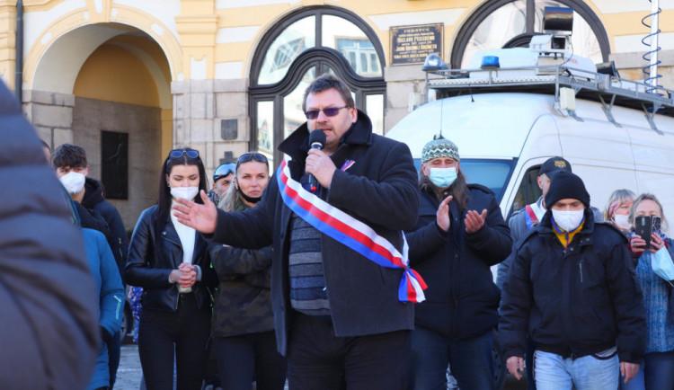 Lubomír Volný přišel o facebookovou stránku, teď se chce přesunout na Telegram